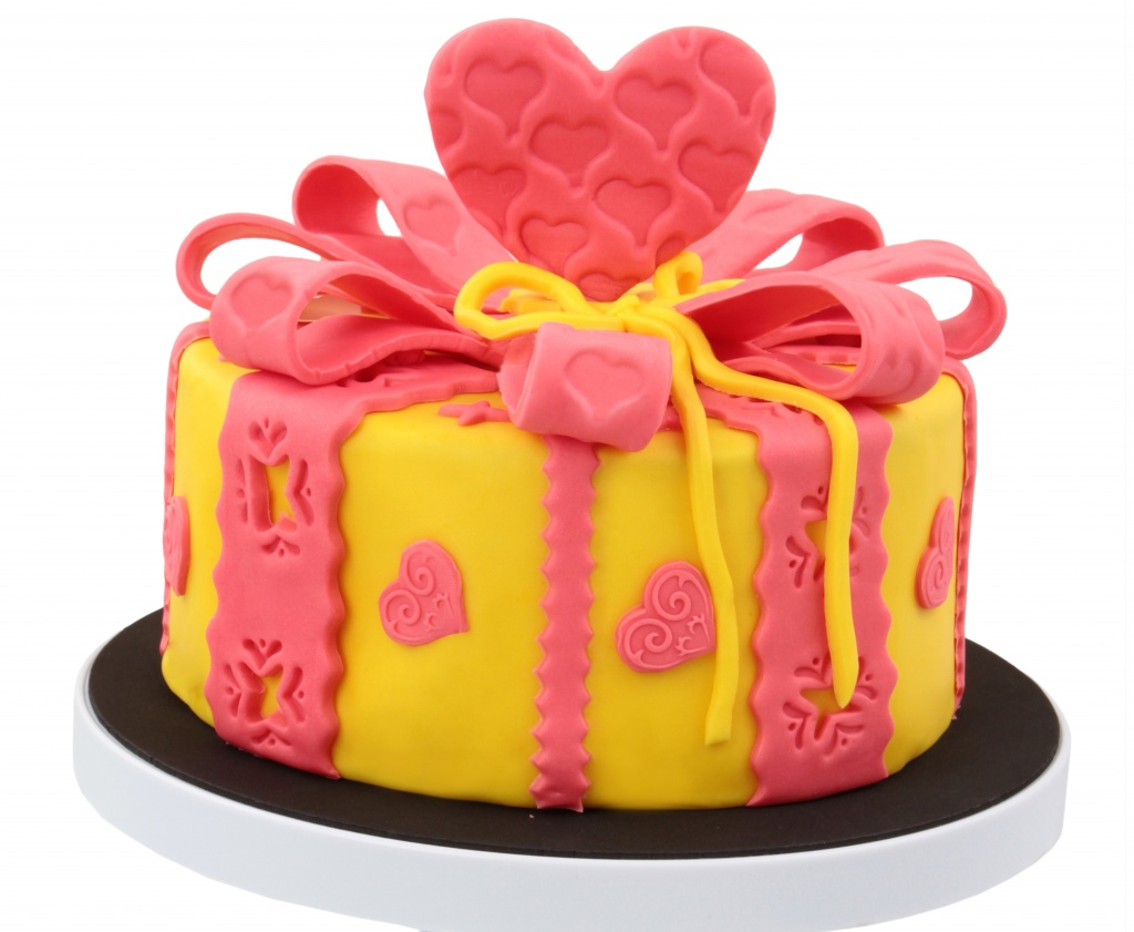 2018Food___Cakes_and_Sweet_Beautiful_cake_with_hearts_made_from_mastic_on_a_white_background_124415_.jpg